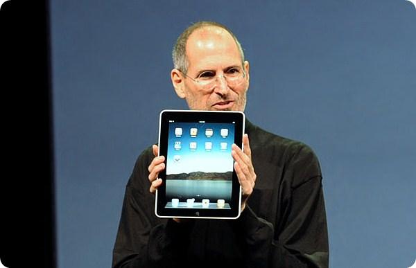 Steve Jobs na apresentação do primeiro iPad