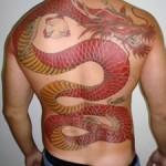 Tatuagem de dragão nas costas (Foto:Divulgação)