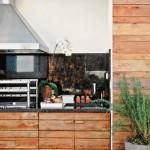 Revestimento que imita madeira, um ar romântico para sua churrasqueira