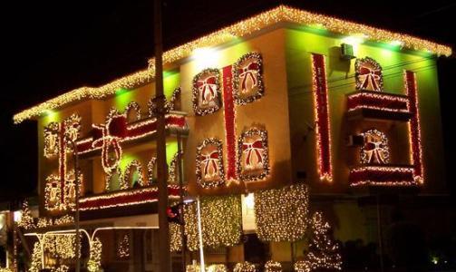 Sacadas decoradas com luzes