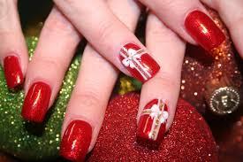 Unhas decoradas para Natal com a cor vermelha (Foto: Divulgação)