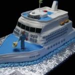 Bolo em formato de navio (Foto:Divulgação)