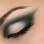 Maquiagem com olhos esfumaçados para balada