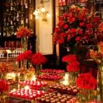 Aposte no vermelho para deixar o casamento com uma atmosfera mais aconchegante