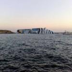 Costa Concórdia naufragou após bater em uma rocha não cartografada na costa italiana