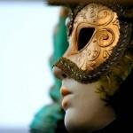 Máscara de rosto inteiro sobreposta
