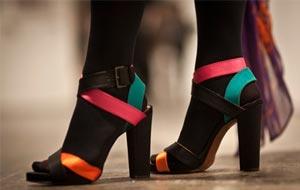 sandalias-coloridas-como-us