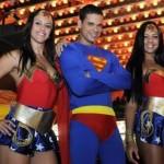 Mulher Maravilha e o Super Homem (Foto: Divulgação)