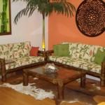 Os móveis de bambu deixam o ambiente com um toque artesanal.