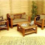 O sofá de bambu é peça preciosa para criar um clima de recepção.