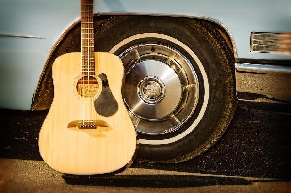Na hora de efetuar a compra é importante observar o estado do instrumento musical (Foto: Divulgação Pixabay)
