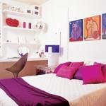 Com uma decoração relaxante e agradável, o quarto se revela um verdadeiro refúgio para a moradora.