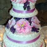 Bolo de casamento decorado com flores (Foto:Divulgação)
