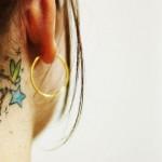 Tatuagem de estrelas azuis (Foto:Divulgação)