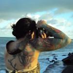 Tatuagens coloridas no braço (Foto:Divulgação)