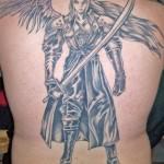 Tatuagem de anjo samurai nas costas (Foto:Divulgação)