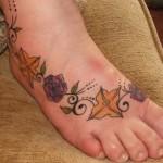 Tatuagem de flores coloridas (Foto:Divulgação)