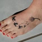 Tatuagem de pássaros nos pés (Foto:Divulgação)