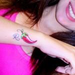 Tatuagem de pimenta com a Letra (Foto:Divulgação)