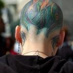 Tatuagem colorida na Cabeça (Foto:Divulgação)