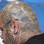 Tatuagem assustadora na Cabeça (Foto:Divulgação)