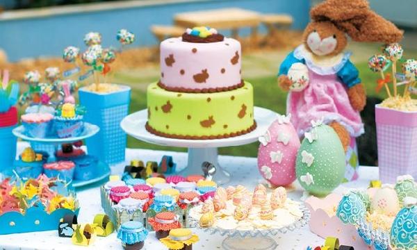 As crianças adoram a mesa de Páscoa por conta das cores e guloseimas (Foto Divulgação: MdeMulher)
