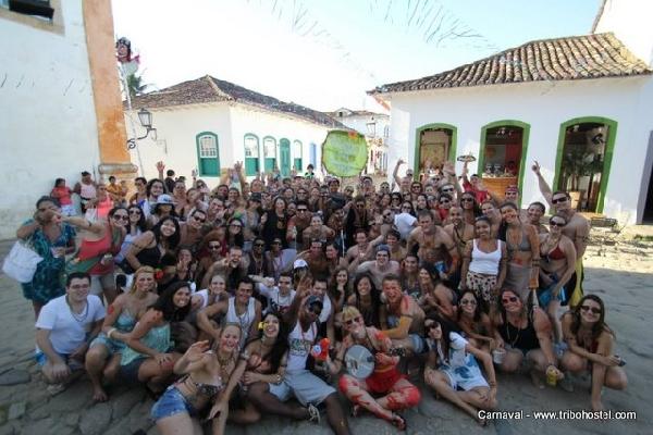 Junte a galera e venha se divertir no Carnaval em Ubatuba (Foto: Ubatuba Hostel)
