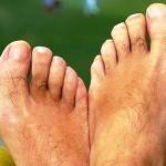 Cuidados com os pés masculinos