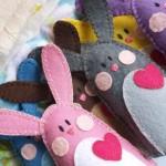 Mais coelhos de feltro para decorar a embalagem. (Foto: Divulgação)