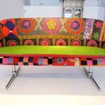 Sofa antigo e colorido (Foto:Divulgaçao)