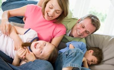 É preciso saber distribuir o seu amor entre os seus filhos para que nenhum deles se sinta rejeitado. (Foto: Divulgação)