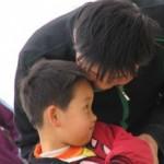 Filho com vergonha dos pais: o que fazer