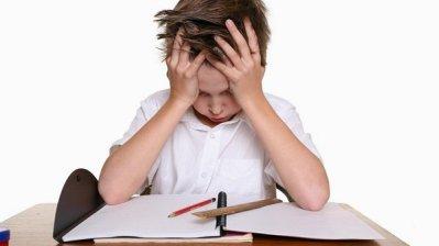 Pode ter certeza de que as notas baixas são mais decepcionantes para o seu filho que para você. (Foto: Divulgação)