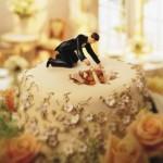 Bolo de Casamento com a noiva dentro do bolo (Foto: Divulgação)