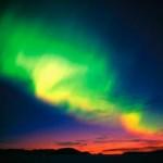 Aurora Boreal nas cores verde, roxa e vermelha (Foto:Divulgação)