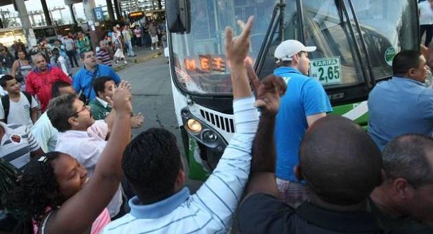 Rodoviários entraram em greve nesta sexta