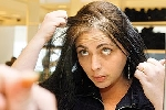 Shampoo que disfarça cabelo branco