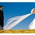 Noivo pisando no véu da noiva (Foto: Divulgação)