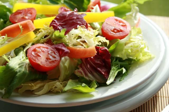 Adicione a salada no cardápio (Foto: Divulgação)