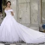 Modelo estilo princesa quase se,pre conta com uma calda longa e cintura fina.