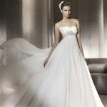 Vestido de noiva estilo princesa com saia mais leve e discreta.