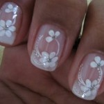 Flores brancas e delicadas