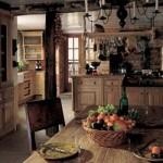 A cozinha rústica preserva um clima acolhedor do campo.