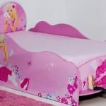 Cama inspirada na Barbie.