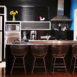 A cozinha americana garante um visual moderno e sofisticado.