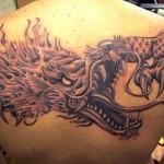 Tatuagem de Dragão nas costas