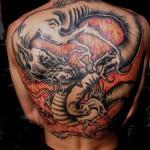 Tatuagem de Dragão rica em detalhes