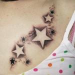 Tatuagem de Estrelas no Colo