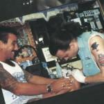 Além da Tatuagem com o nome de sua mãe, Johnny Deep possui outras 18 tatuagens.