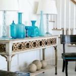 O azul turquesa com o branco compõem uma decoração perfeita para casa de praia.
